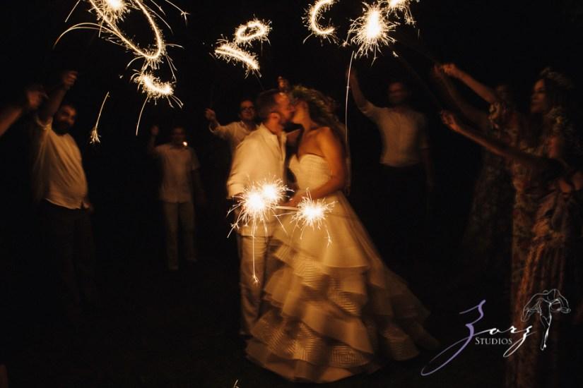 Birth of Venus: Alexandra + Ricardo = Rustic Wedding by Zorz Studios (3)