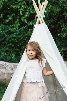 Teepee: Bohemian Family Photoshoot by Zorz Studios (43)