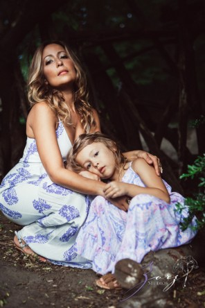 Teepee: Bohemian Family Photoshoot by Zorz Studios (21)