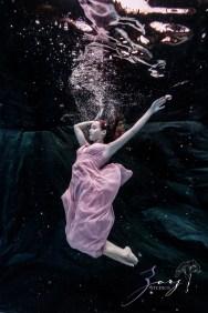 Sweetwater: Sweet 16 Underwater Photoshoot by Zorz Studios (22)