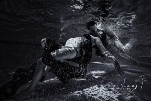 Ad Vitam: Underwater Maternity Session by Zorz Studios (10)