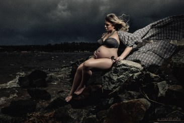 Creative Maternity and Pregnancy Photos in New York and Worldwide (31)