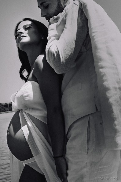 Creative Maternity and Pregnancy Photos in New York and Worldwide (58)