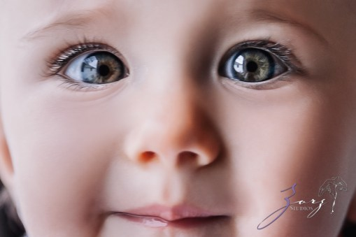 Big Eyes: Adorable Baby Girl Photoshoot by Zorz Studios (25)