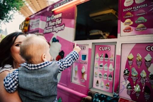 Cub: Outdoor Hilarious First Birthday Photoshoot by Zorz Studios (23)