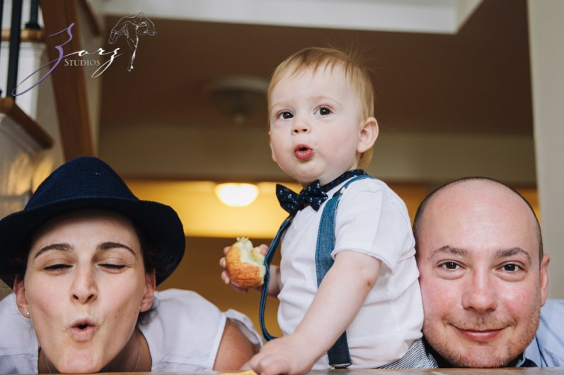 Singobooth: Funny Photoshoot for One-Year-Old by Zorz Studios (1)