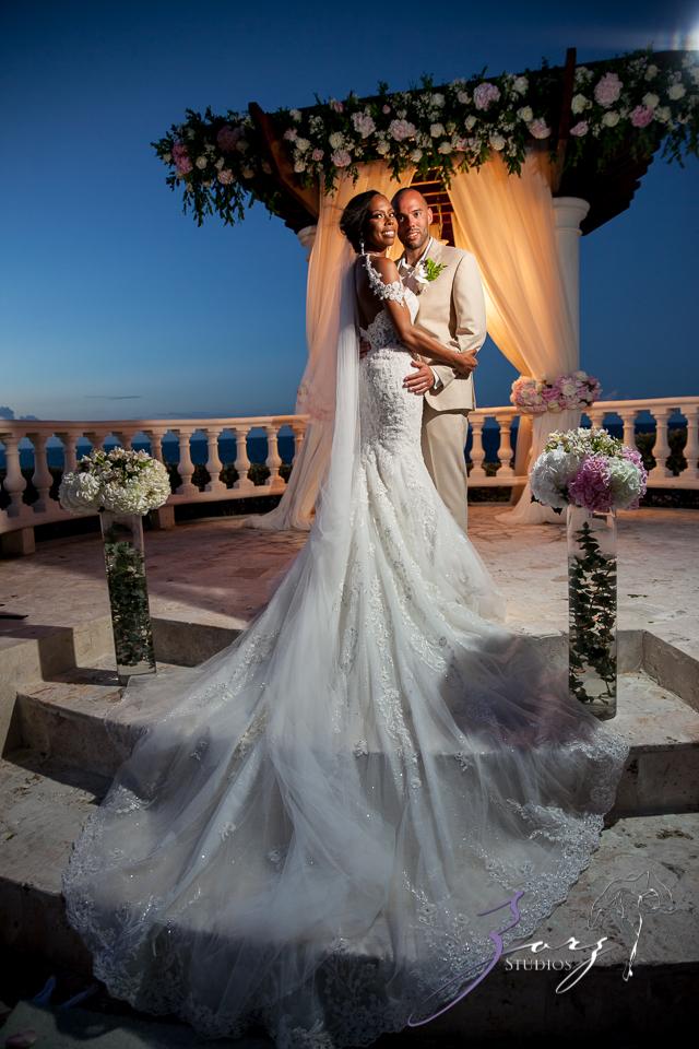 Bell Hunters: Stephanie + Josh = Dominican Republic Wedding by Zorz Studios (34)