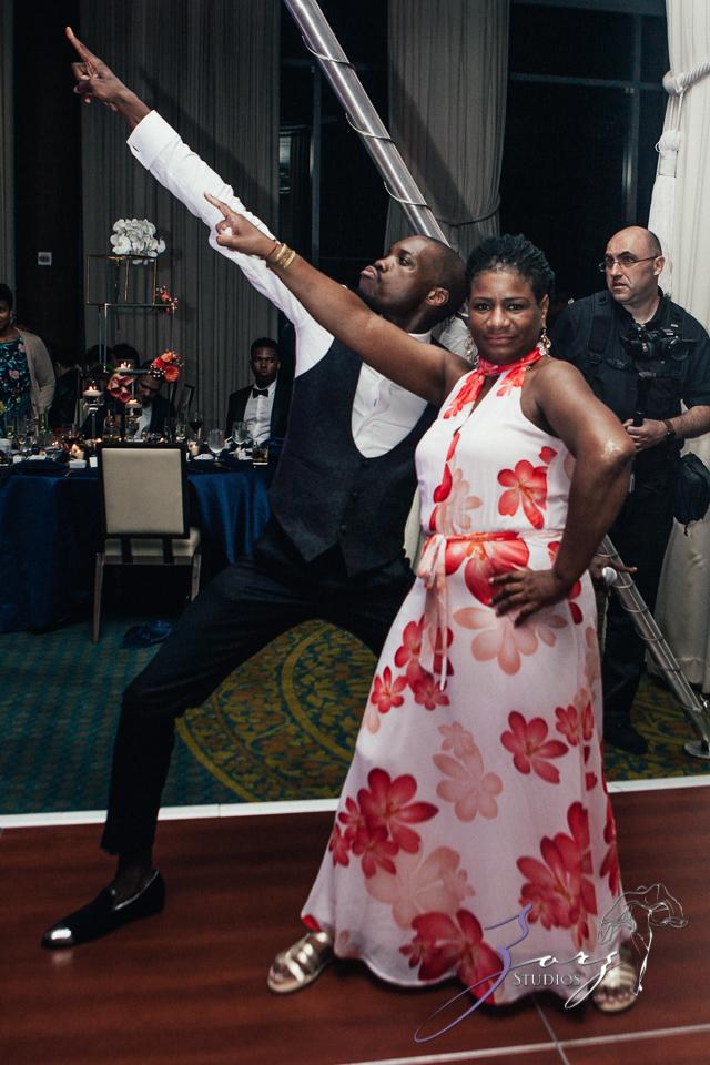 Bandana: Ana + Dana = Freaking Stylish Manhattan Wedding by Zorz Studios (11)