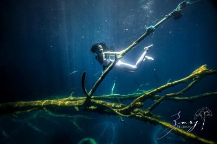 Water Spirit: Epic Underwater Photoshoot in Dominican Republic by Zorz Studios (16)
