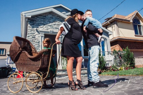 Cuatro+: Whimsical Family Maternity Session by Zorz Studios (10)