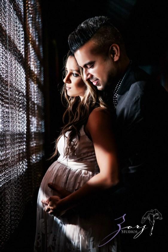 Pregwindcy: Modern Pakistani Maternity Photoshoot by Zorz Studios (15)