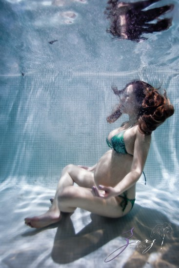 Sonar: Maternity Photos from NYC to the Ocean in One (Long) Day by Zorz Studios (11)