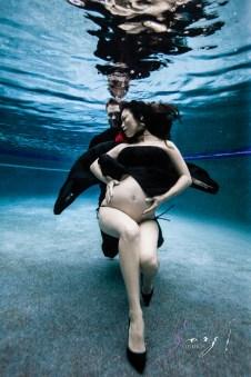 Vivacity: Stylish Underwater Maternity Shoot by Zorz Studios (ZORPHOTOUR 2018) (2)