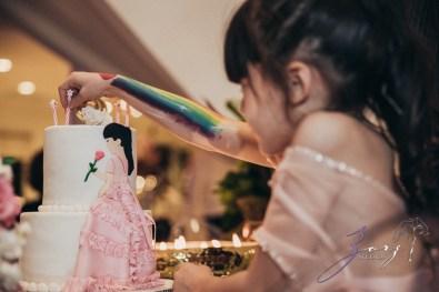 Cosmo: Mother-Daughter Cosmopolitan Birthday Party by Zorz Studios (21)