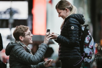 Trop Précieux: Frenchman's Marriage Proposal on Times Square by Zorz Studios (31)
