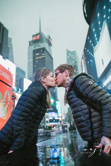 Trop Précieux: Frenchman's Marriage Proposal on Times Square by Zorz Studios (17)