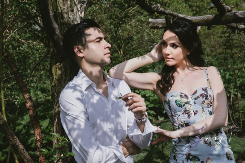 No Bounds: Ilana + Igor = Old Westbury Gardens Engagement Session by Zorz Studios (18)