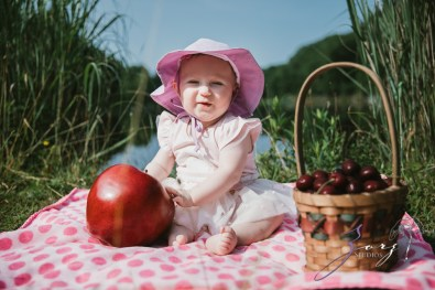 Veyear: Our Baby Girl First Birthday Photoshoot in Poconos by Zorz Studios (30)
