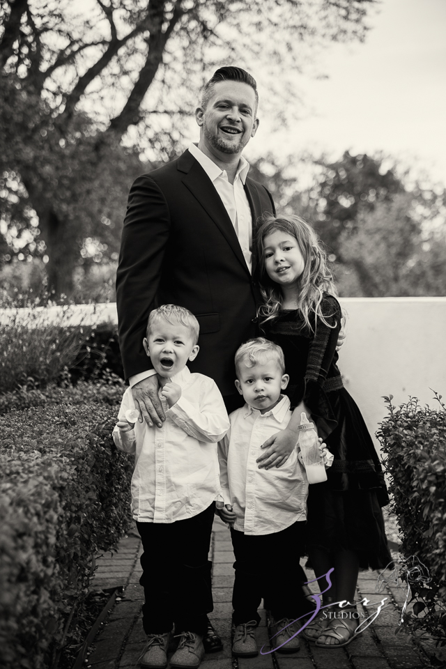 Womansion: Stylish Family Shoot at Vanderbilt Museum by Zorz Studios (12)