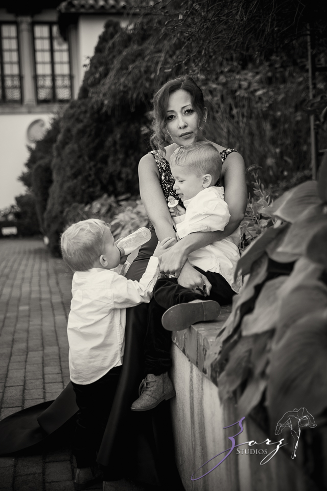 Womansion: Stylish Family Shoot at Vanderbilt Museum by Zorz Studios (10)