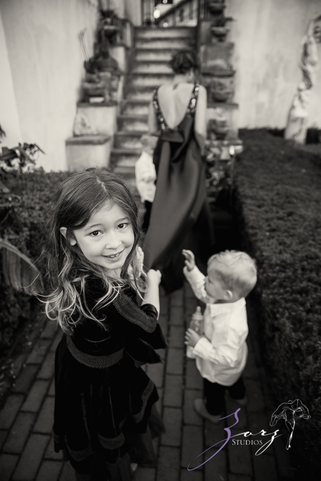 Womansion: Stylish Family Shoot at Vanderbilt Museum by Zorz Studios (9)