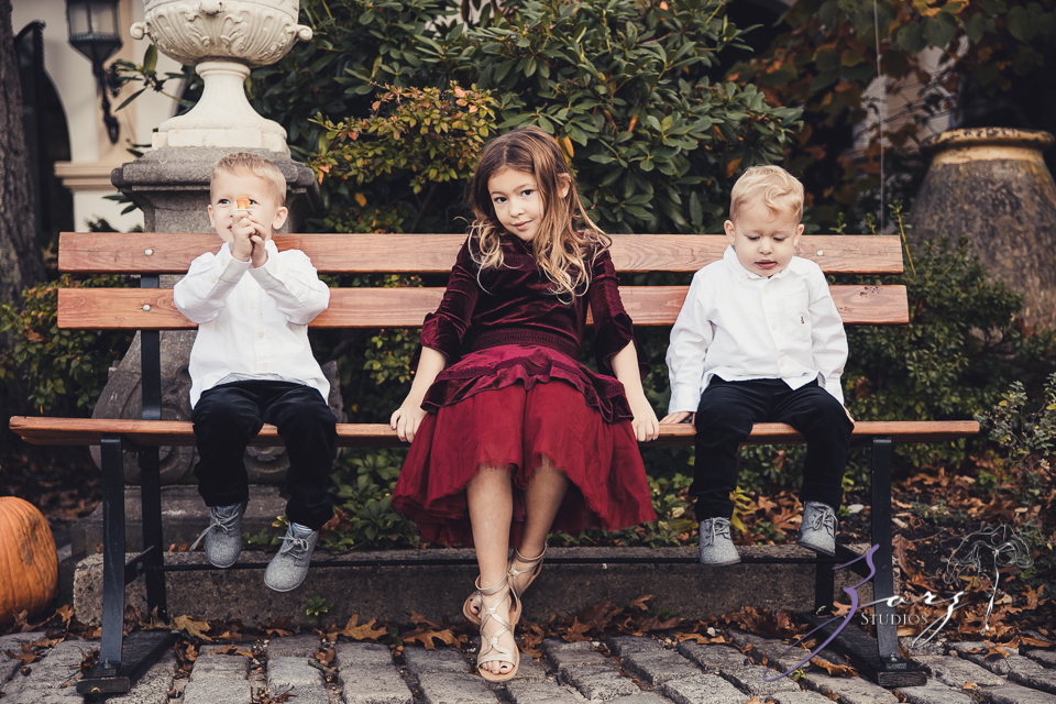 Womansion: Stylish Family Shoot at Vanderbilt Museum by Zorz Studios (25)