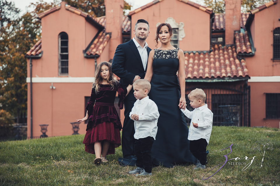 Womansion: Stylish Family Shoot at Vanderbilt Museum by Zorz Studios (20)