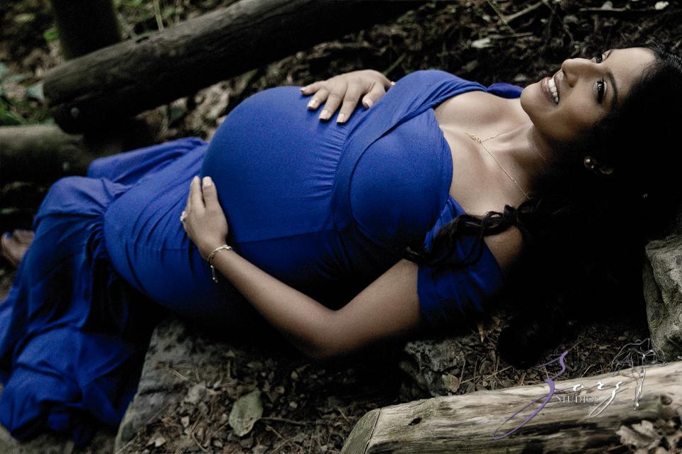 Bhaaloo: Maternity Session by Raymondskill Falls by Zorz Studios (11)