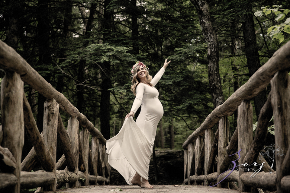 Tesori: Maternity Photoshoot in Poconos by Zorz Studios (14)