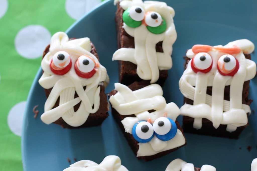 mummie halloween brownies