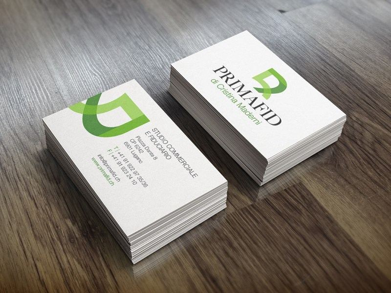 Realistic-Business-Card-Mock-Up
