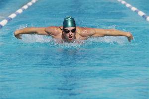 înotul este util în varicoză)