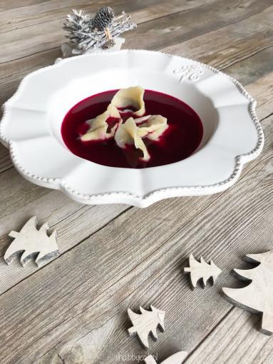 Zdjęcie - Wigilijny barszcz czerwony na zakwasie z uszkami - Przepisy kulinarne ze zdjęciami