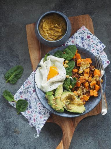 Zdjęcie - Wegetariański talerz z sosem musztardowo-miodowym. Śniadanie, obiad lub kolacja! - Przepisy kulinarne ze zdjęciami