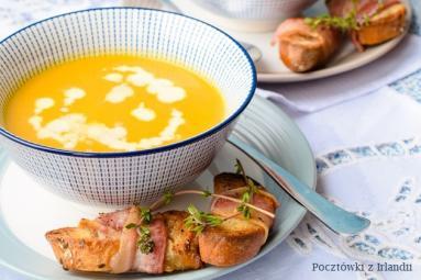 Zdjęcie - Zupa z pieczonych marchewek z grzankami | U stóp Benbulbena - Przepisy kulinarne ze zdjęciami