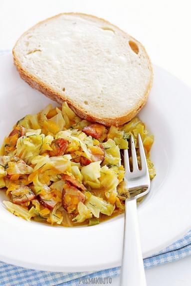 Zdjęcie - Bigos z młodej kapusty - Przepisy kulinarne ze zdjęciami