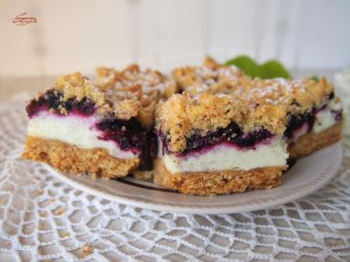 Zdjęcie - Kruche z jagodami - Przepisy kulinarne ze zdjęciami