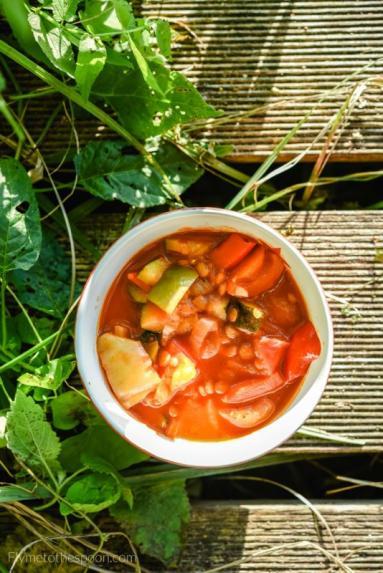 Zdjęcie - Leczo wegańskie z soczewicą i cukinią - Przepisy kulinarne ze zdjęciami