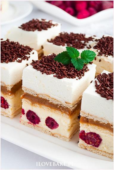 Zdjęcie - Ciasto 3 bit z malinami - Przepisy kulinarne ze zdjęciami