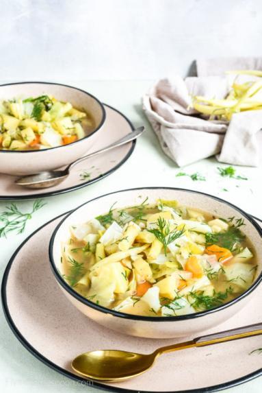 Zdjęcie - Zupa jarzynowa z fasolką szparagową i młodą kapustą - Przepisy kulinarne ze zdjęciami