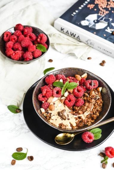 Zdjęcie - Kawowa owsianka z malinami - Przepisy kulinarne ze zdjęciami