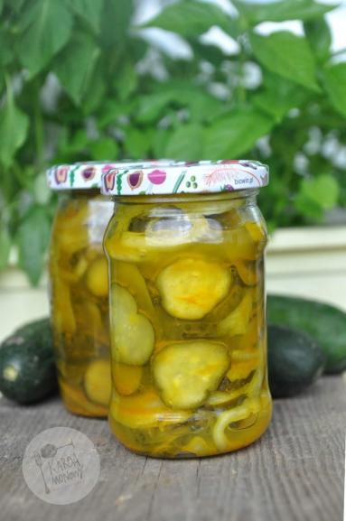 Zdjęcie - Ogórki w kurkumie i curry - Przepisy kulinarne ze zdjęciami