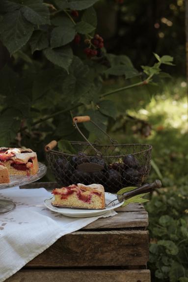 Zdjęcie - Najprostsze ciasto ucierane ze śliwkami - Przepisy kulinarne ze zdjęciami