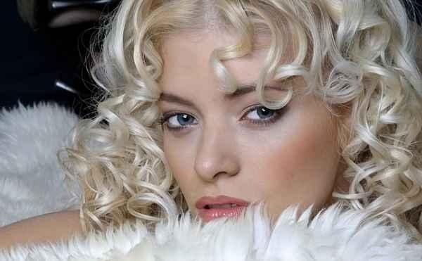 Макияж блондинки с серо голубыми глазами фото ...