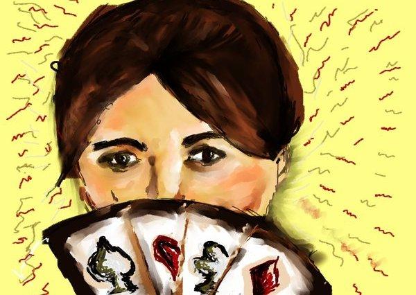 Digitální malba - portrét tmavovlasé ženy na žlutém pozadí, spodní polovinu obličeje jí zakrývají čtyři hrací karty.