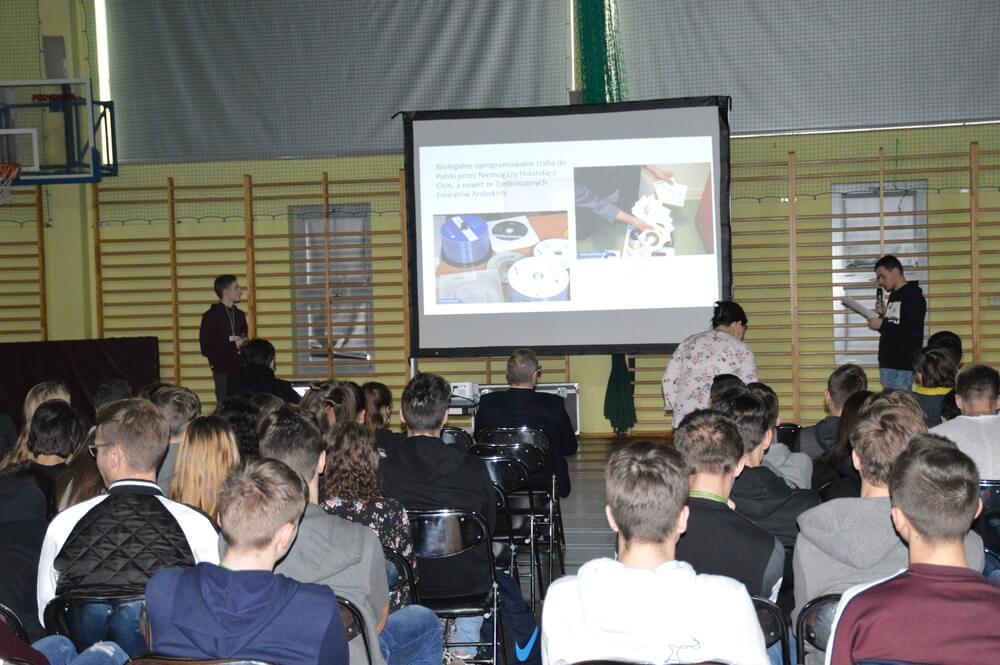 Dzień Bezpiecznego Internetu w Kochanowskim