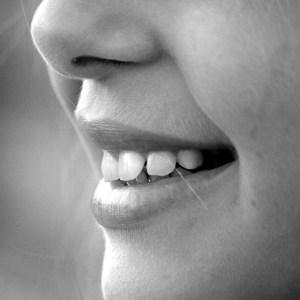 Technik, dentystyczny, szkoła, średnia, protetyk, stomatolog, ortodoncja, policealna, nauka, zęby dziewczynki, krzywy zgryz, uśmiech dziecka,