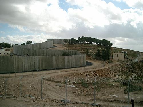 Az izraeli kerítés életeket ment