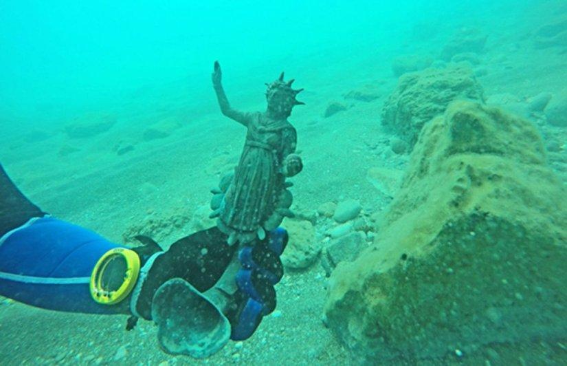 1600 éves hajóroncs kincseit hozták felszínre izraeli búvárok