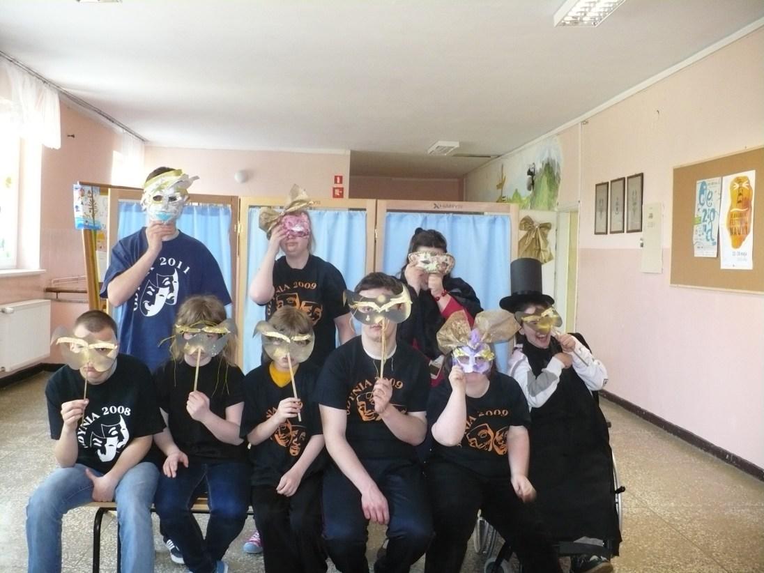 "Grupa Teatralna ""Anioł i Reszta"""